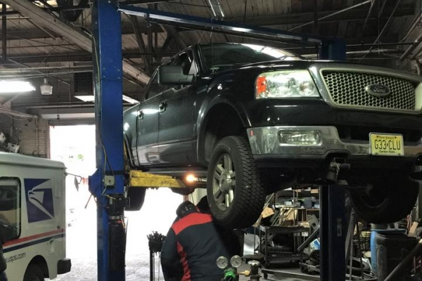 auto repair fixing cars
